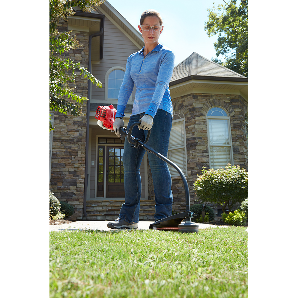 HOMELITE 26cc 17  In. Gas Curved Shaft String Trimmer