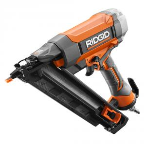 RIDGID 15 Gauge 2-1/2 In. CLEAN DRIVE Technology Angled Finish Nailer